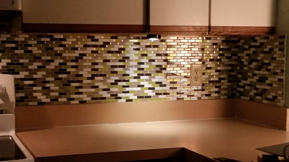 Kitchen backsplash before Wouldn't You Love to Avoid These 10 Remodeling Mistakes?